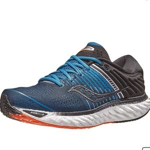 Saucony Triumph 17 Running Shoe